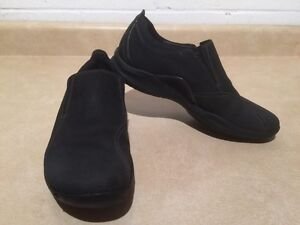 Women's Clarks Wave Slip-On Shoes Size 9.5 London Ontario image 2