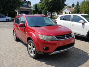 Mitsubishi outlander for sale 3650$. Need To go fast