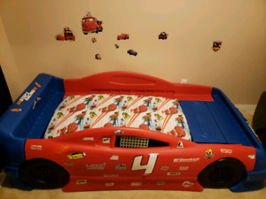 Step 2 toddler to twin race car bed