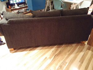 3-seat Couch in excellent condition!-HAS TO GO! Peterborough Peterborough Area image 2