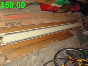 Plinthe Chauffante---General Electric---Baseboard Heater.