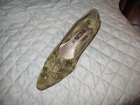 Women's shoes wholesale lot of 350 pair