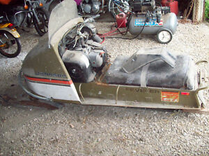 vintage Johnson Reveler 27 snowmobile omc opposed twin engine Windsor Region Ontario image 4