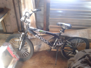 Selling my bmx bike $85 or best offer