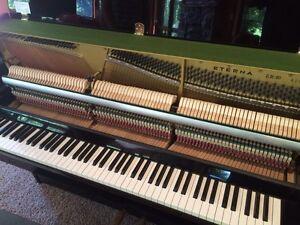 Eterna ER10 (Yamaha) Piano 1987 Gloss Black Cambridge Kitchener Area image 4
