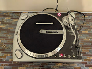 Numark TT200 - Turntable