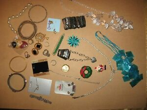 COSTUME JEWELLERY #9 30 PIECES FOR $5