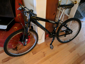 Norco Wolverine hard tail mountain bike - excellent condition.