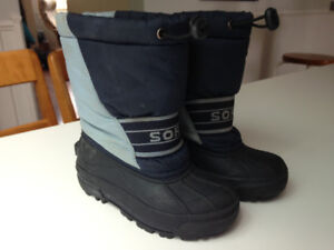 Sorel winter boots-- toddler 10