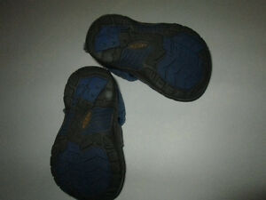 Toddler KEEN sandals, blue camo, size 5 Belleville Belleville Area image 4