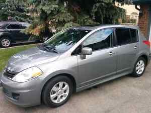 2010 Nissan versa hatchback CVT fully loaded