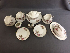 Collectible Antique Small Tea Cup Setting For 6 London Ontario image 7