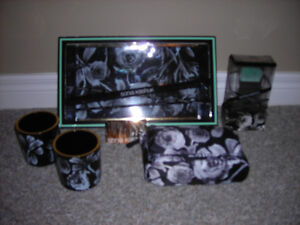 NEW SONIA KASHUK Limited Edition VANITY/COSMETIC GIFT SET
