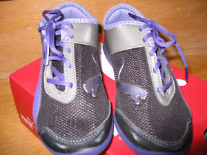 Girl's PUMA Running Shoes, Brand New In Box, Size 13
