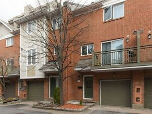 Centretown:2 bedrooms and den (or 3 bedrooms) downtown for rent