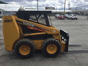 2003 Case 60XT + fourches ou bucket attache rapide *2379 heures West Island Greater Montréal image 4