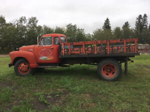 1951 gmc 9700 truck with deck and hoist