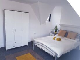 Spacious double ENSUITE room for couples all bills included