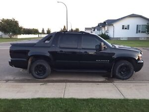2008 Avalanche or Sierra