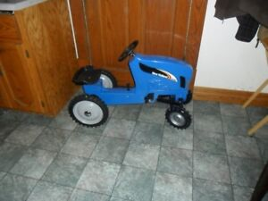 NEW PEDAL TRACTOR