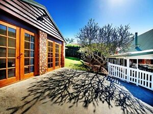 Peaceful granny flat surrounded by hills 3 min from Coffs city Coffs Harbour Coffs Harbour City Preview