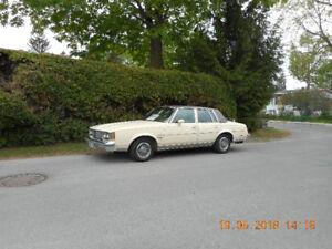Olsmobile Cutlass Suprême Brouham 1984