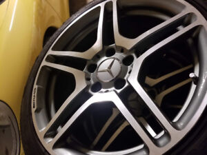 "Pneus avec Mags Mercedes-Benz AMG 17"" Rims with Tires"