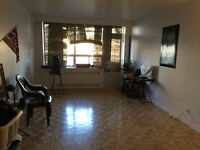 spacious and low price 2 1/2 in downtown Montreal