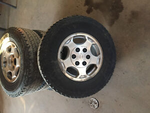 "16"" Chevy 6 bolt rims , need gone !"
