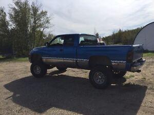 2001 Lifted Dodge Ram 1500 4x4