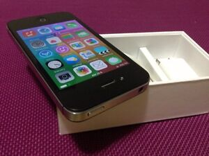 Iphone 4s 16GB Bell , Virgin Mobile ,no scratches & no dents