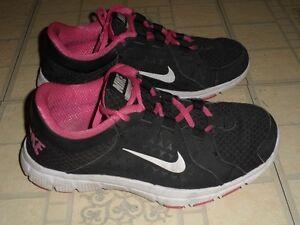 Chaussures de sport NIKE pour femmes