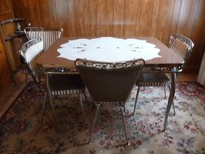 Retro Vintage Aborite and Chrome Kitchen Table and 4 Chairs