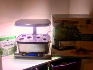 AeroGarden Harvest Elite  - Grow plants, weed indoor LED 6 pods