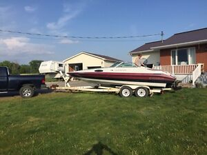 Carevelle power boat Cornwall Ontario image 1