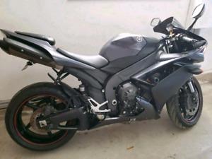 Yamaha 2007 R1 black