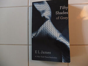 FIFTY SHADES OF GREY (ANGLAIS)