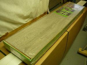 2 boîtes de plancher flottant 12.3 mm couleur gris