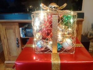 metal present with battery operated lights Wedding or party Cambridge Kitchener Area image 3
