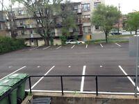 Ville St Laurent Exterior Parking/Stationnement Extérieur