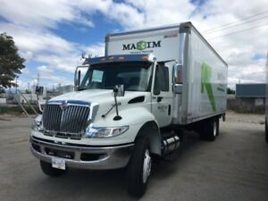 2018 International 4300 4x2, Used Dry Van