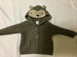 Toddler boys sweaters name brand like new fall/winter