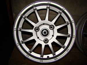 2012 smart Design 7 front alloy wheel 1/2 available