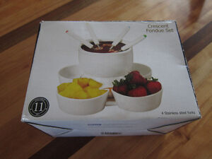 Chocolate Fondue Set (new in box)