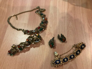 ASSORTED GEMMED JEWELRY