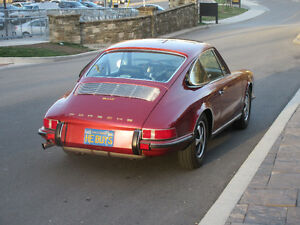 1970 Porsche 911T, Sunroof Coupe, S trim