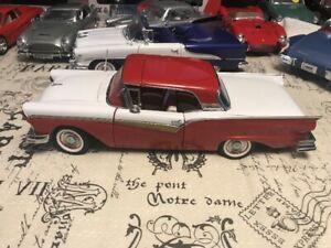 Ford Fairlaine Skyliner 1957 diecast 1/18 die cast