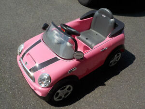 Mini Cooper Ride On - Pink