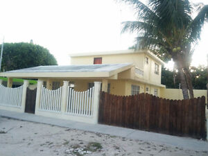BEAUTIFUL HOUSE IN THE BEACH, REMODELED, READY TO LIVE.