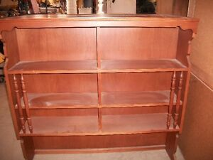 Hutch top / bookcase